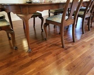 Gorgeous Henkel Harris Dining Room Table and Six Chairs