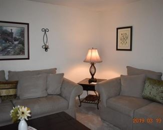 2 Matching End Tables and Coffee Table