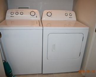 Maytag Washer and Dryer in excellent condition < 2 years old