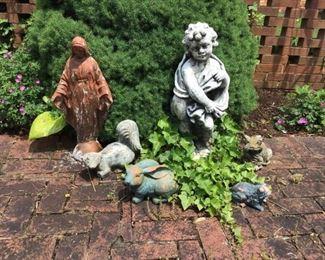 Garden Figurines https://ctbids.com/#!/description/share/156047