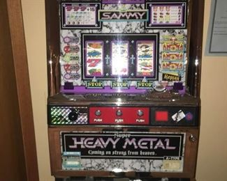 Sammy Super Heavy Metal Slot Machine