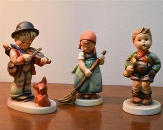 Hummel Figurines / Hummels (Goebel)