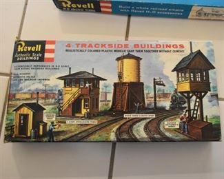 Vintage Revell Train Accessories / Buildings