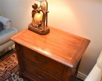 2-Drawer End Table / Nightstand