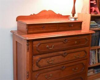 Antique / Vintage Gentlemen's Chest Dresser
