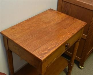 Antique / Vintage End Table with Drawer