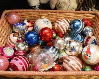 Vintage Christmas Ornaments (Shiny Brite & More)