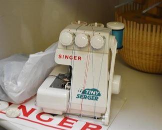 Singer Tiny Serger