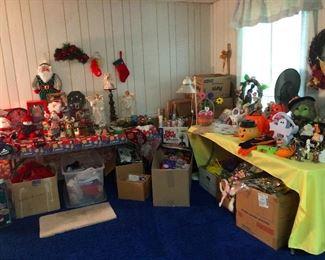 Holiday and Christmas decor