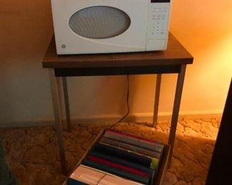 Old vintage microwave, wow! To use it, you will first have to surround your house with hazard cones. You need this!