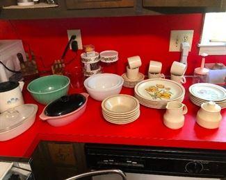 Prex, corning ware, cool vintage stoneware dinner plates
