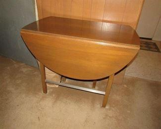 Drop leaf table Mid century modern