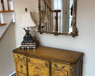 Lovely painted small chest with gilt mirror