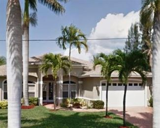 Beautiful waterfront vacation home moving sale