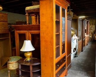 Cabinets Hutches Armoires