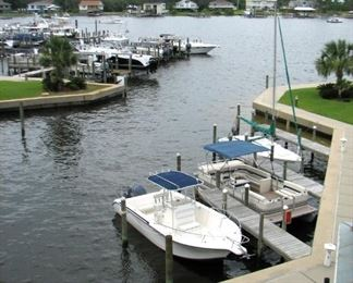 43 Slip Marina - Inside is Concrete, Outside has wood pilings and metal walkways - fishing area at the end
