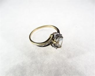 10K Gold Ring with Aquamarine Stone