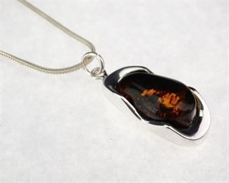 925 Sterling Silver Amber Pendant Necklace