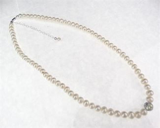 Silver Faux Pearl Thai Necklace
