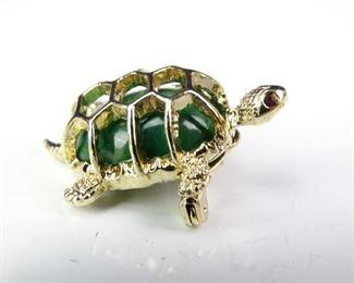 GoldColored Turtle Fashion Lapel Pin