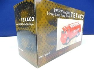 Texaco 1953 White 3000 Heavy Duty Stake Truck Model