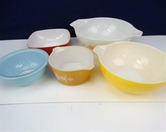 Assorted Mixing Bowls (5)
