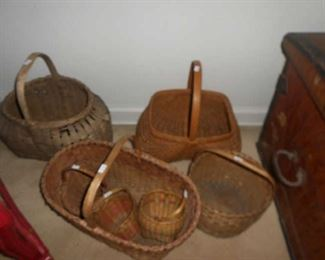 ASSORTMENT OF OLD BASKETS