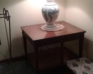 Pair of Bow lamps and end tables