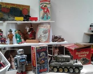 CHECK OUT THOSE GREAT TOYS!