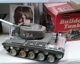 BULLDOG TANK AND BOX