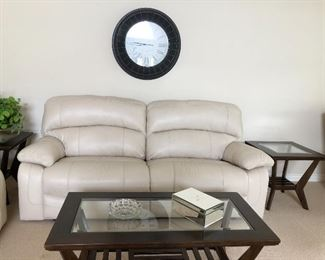 Like New 2 electric recliner sofa. With lovely accent tables.