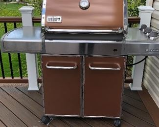 Weber Genesis Gas grill with propane tank hook up