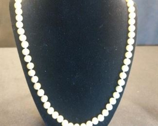 18 in pearl necklace