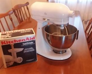 Kitchen Aid and grinder...more parts come with the Kitchen Aid