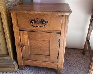 #3Antique End Table w/ 1 drawer & 1 door   15x15x21 $75.00