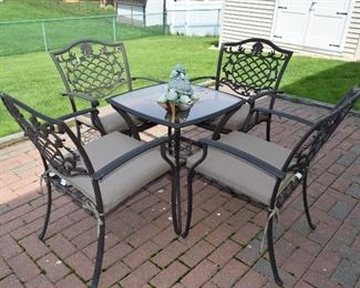 Outdoor Patio Table, 4 Chairs