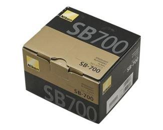 51. NIKON SB 700 Flash