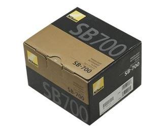 52. NIKON SB 700 Flash