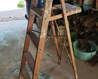 Vintage ladder with metal folding pull