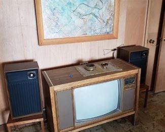 MCM/vintage console TV, speakers, art