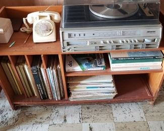 Vintage SounDesign record player, 8 track, vintage phone