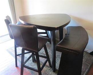 COOL BAR HEIGHT TABLE AND CHAIRS.
