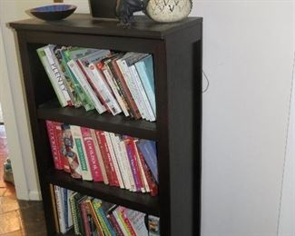 NICE FREE-STANDING BOOKCASE