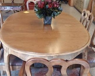 French Provincial table set with 6 chairs and three leaves $175