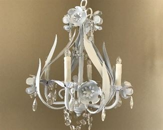 Small chandelier (non electric)