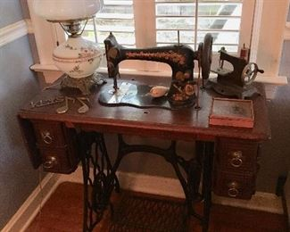Singer Sewing Machine - Circa 1920