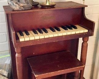 Toy Piano with Original Stool - Schoenhut - 1930's