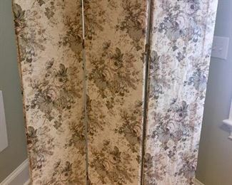 Fabric divider/screen