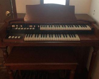 Nice Hammond M3 organ Works great!!!!