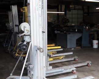 Genie Superlift Contractor Manual Lift — 18ft. Lift, 650-Lb. Capacity, Model # SLC-18